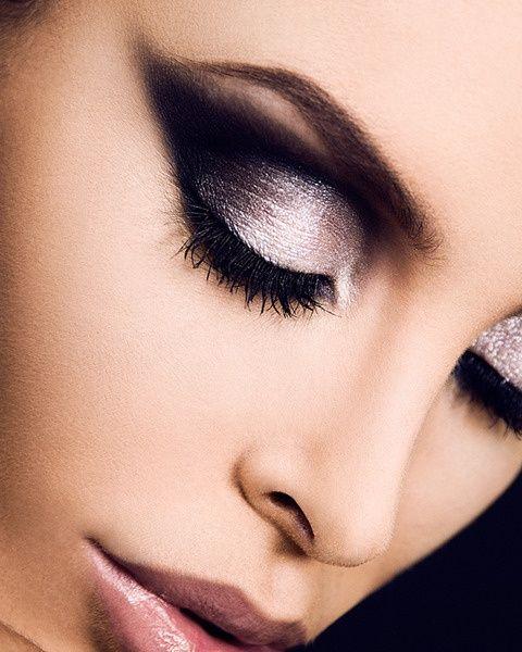 Eye Makeup / Glamour Cat Eyes - Black + White Eyesha