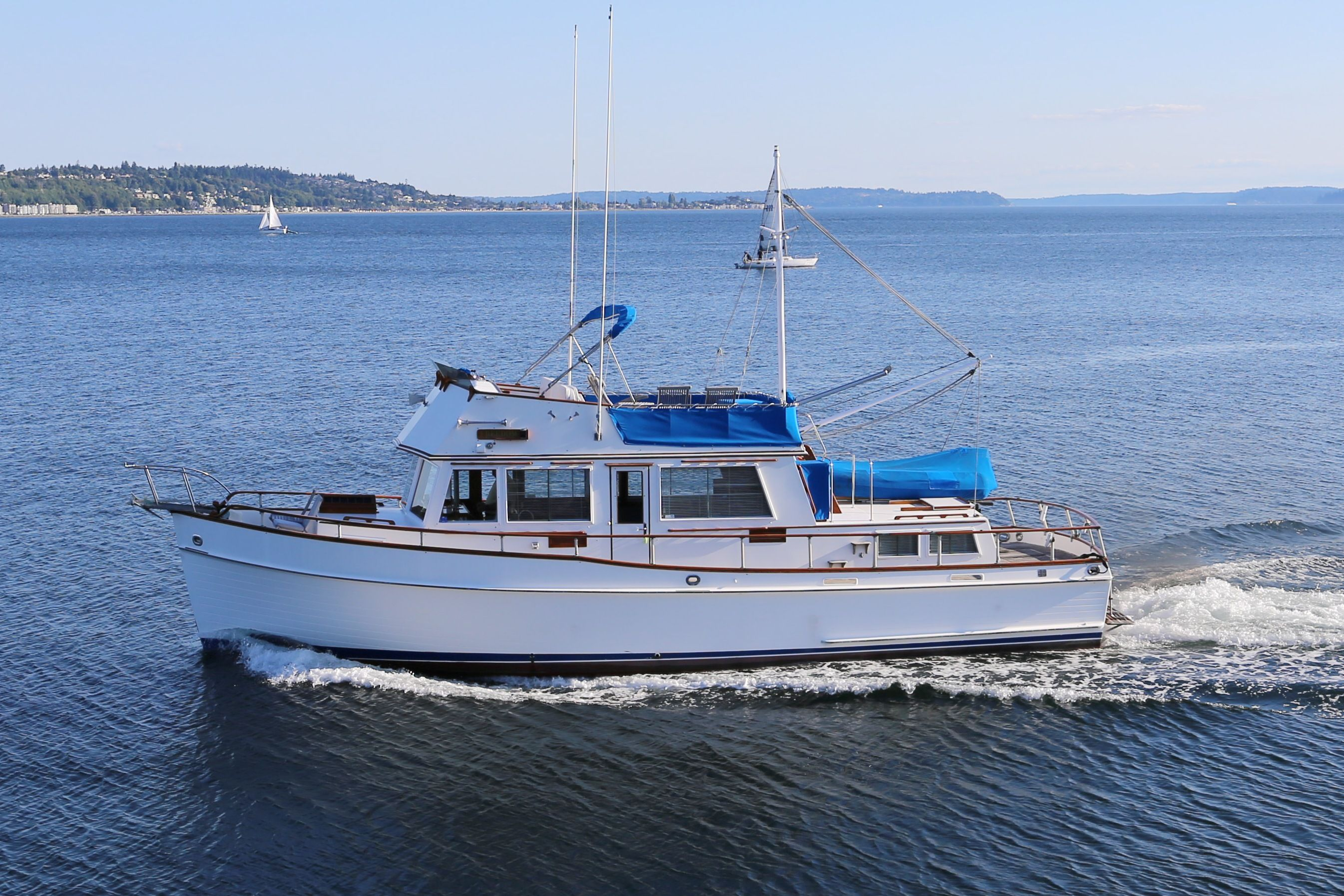 1976 Grand Banks 42 Classic For Sale In Seattle Wa Boatsforsale Trawlers Grandbanks Grand Banks Yachts Cool Boats Classic Boats