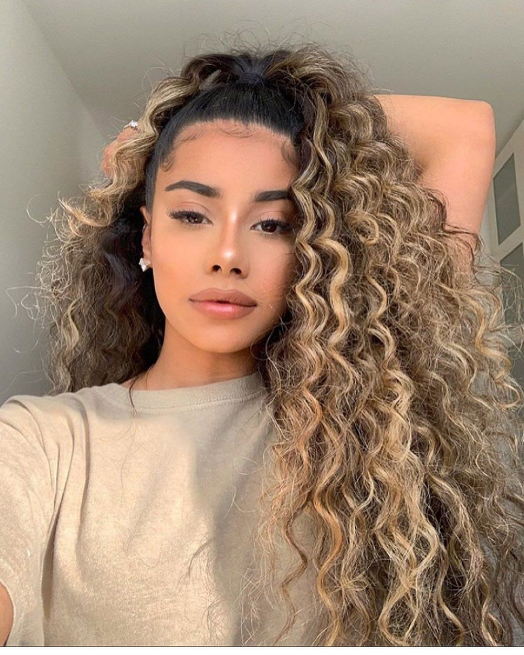 In A Styling Rut Ahead We Break Down 25 Ridiculously Easy Hairstyles That Are Perfect Fo Curly Hair Styles Curly Hair Styles Naturally Curly Hair Inspiration
