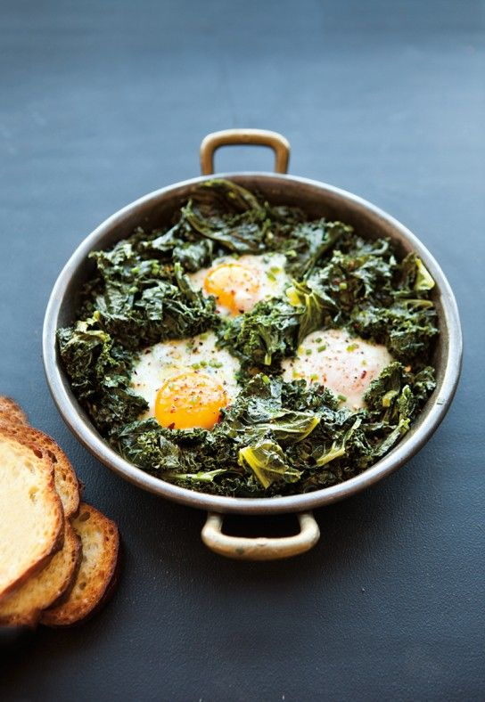 Spicy Simmered Eggs with Kale... yum... might try substituting spinach for kale