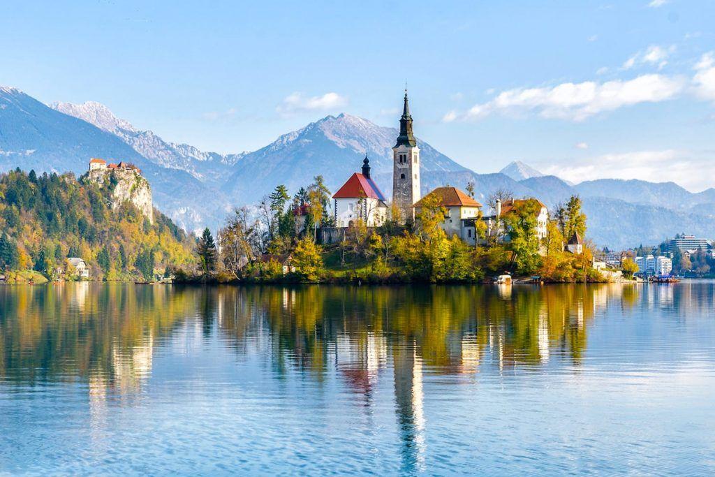 Tips For Visiting Lake Bled From Ljubljana Road Affair Lake Bled Slovenia Lake Bled Slovenia Travel