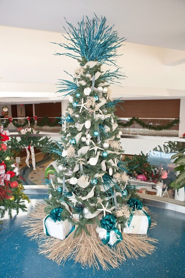 5faa2bf871b59d9b0e4659afed3c5f84 Jpg 600 900 Pixels Christmas Tree Themes Coastal Christmas Decor Beachy Christmas Tree
