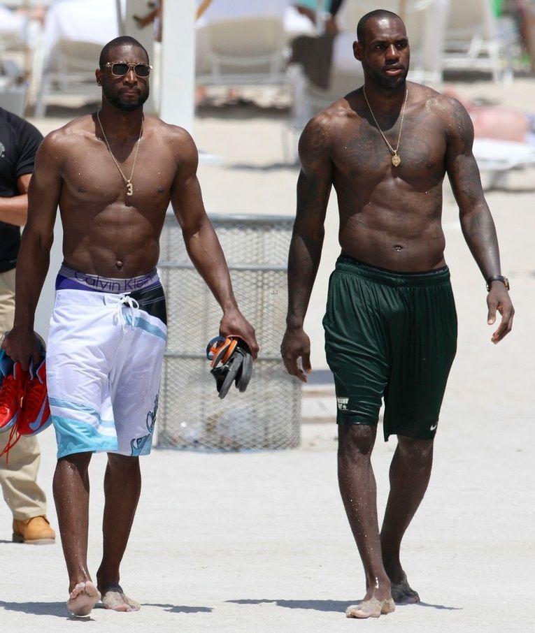 Dwyane Wade Workout: Lebron James & Dwayne Ward On The Beach In Miami