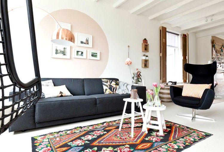 rosa Kreis mit Farbe an der Wand kreieren im Wohnzimmer 1 Lofts - ideen fur wohnzimmer streichen