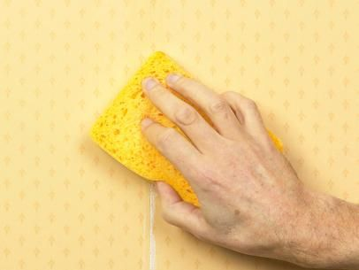 How to Fix Common Wallpapering Problems Bubbles