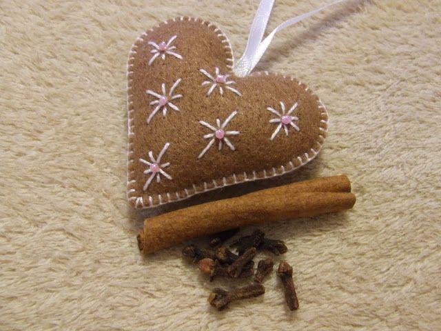 Spotted ficnivilága Shopkeeper: Fragrant hearts | Felt ...