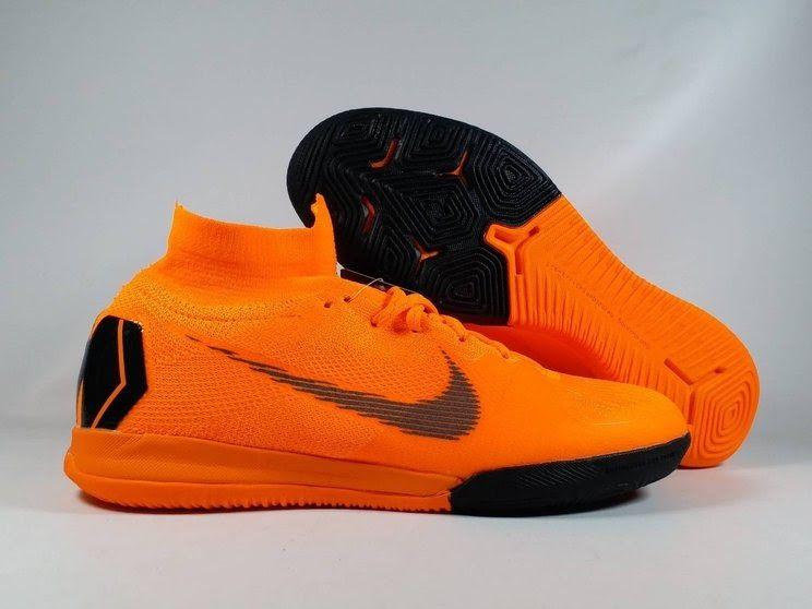 Contoh Sepatu Futsal Di 2020 Sepatu Tas Model Sepatu