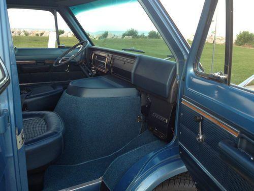Buy Used 1974 Ford E 200 Econoline Club Wagon Chateau 123 Wb