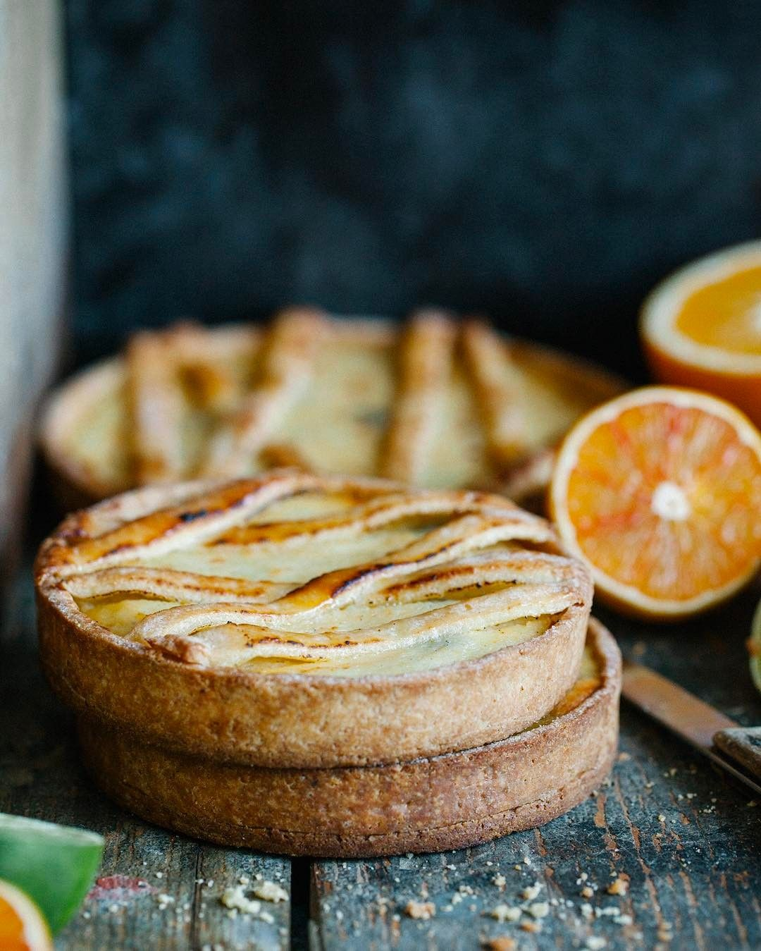 """Mi piace"": 2,997, commenti: 68 - Maja & Jernej (@jernejkitchen) su Instagram: ""Ricotta + orange + dark chocolate + homemade tart shells = irresistible dessert. 😋We adore citrus…"""