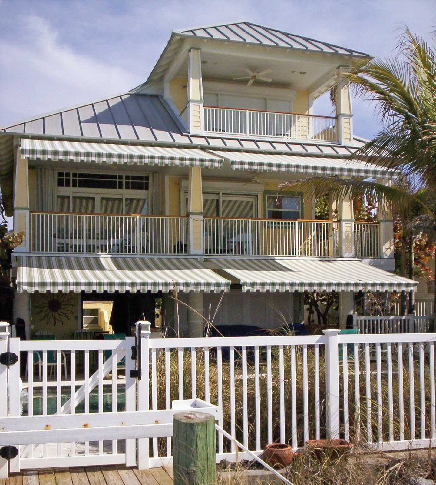 NuImage Pro's Series 8700 Retractable Patio Awning is ...