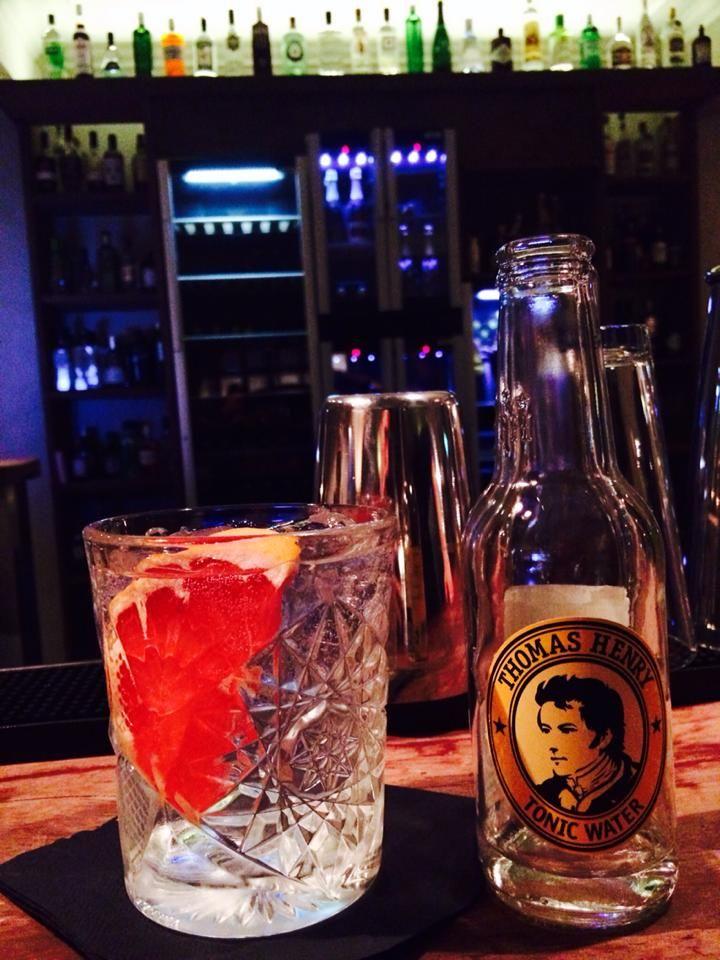I hjertet af Odense ligger Goma. Nok en af fyns bedste cocktailbarer  Cocktailkursus, drinkskursus, cocktail kursus