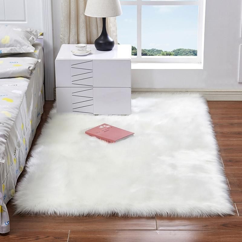 Shaggy Area Rug In 2020 Rugs On Carpet White Faux Fur Rug Rugs