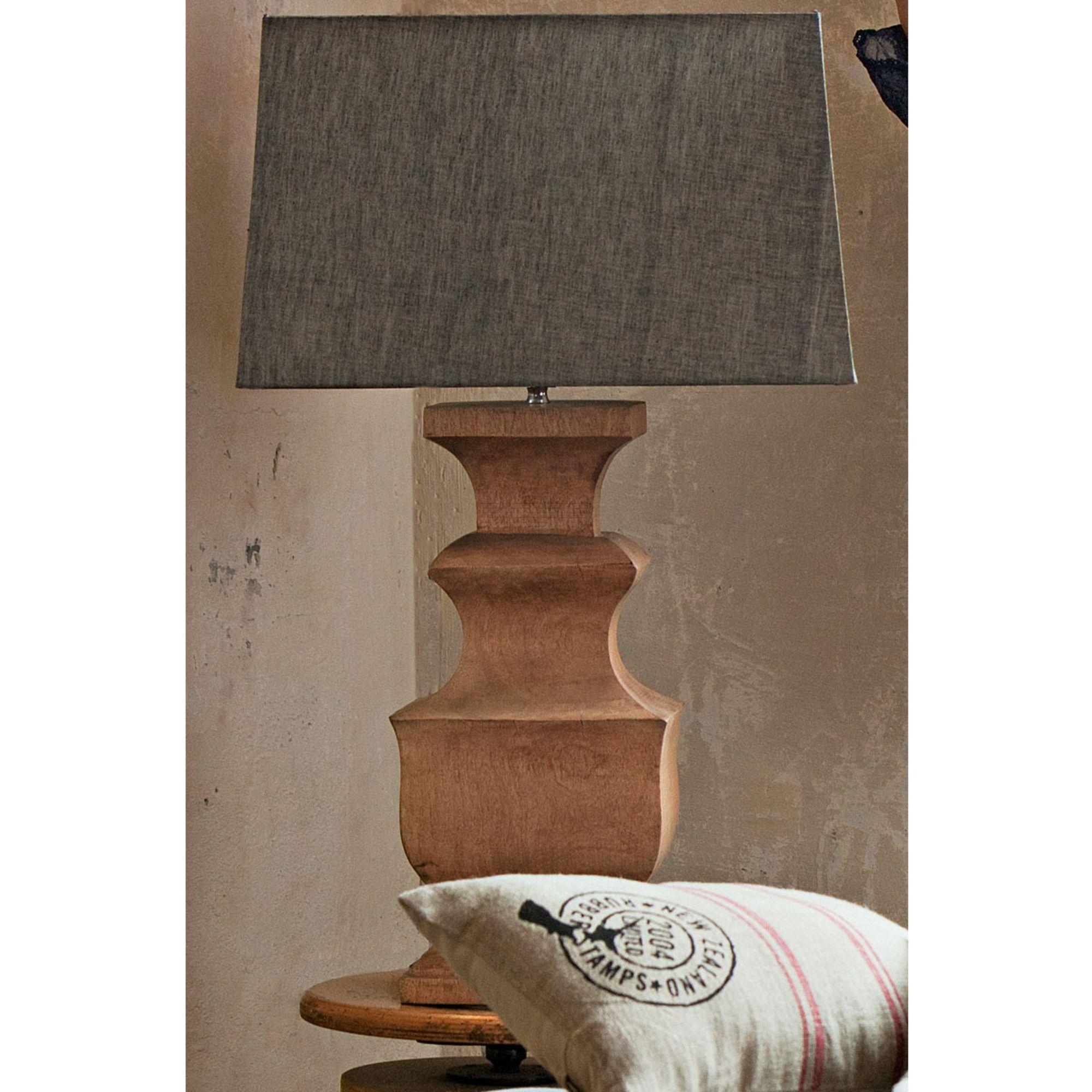 Superb Tischleuchte Mit Extravagantem Edlem Holzfuß. Home Design Ideas