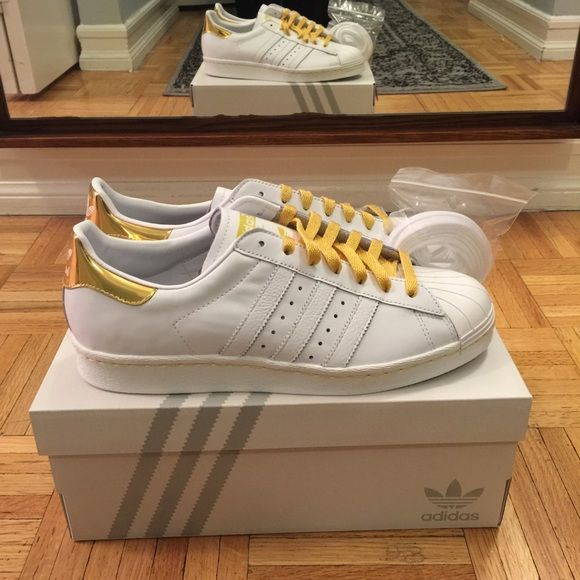 Custom Adidas Superstar 80s Womens Gold Heel Patch White Leather Adidas  Superstars with Gold Heel Patch and Gold Stitching. Comes with extra set of  White ... 776ed0ecb5