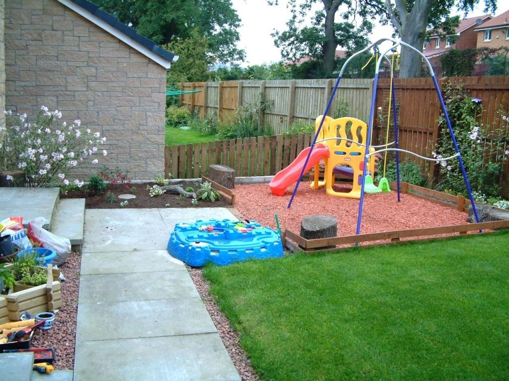 Garden Play Area Idea With Rubber Mulch Kid Friendly Backyard