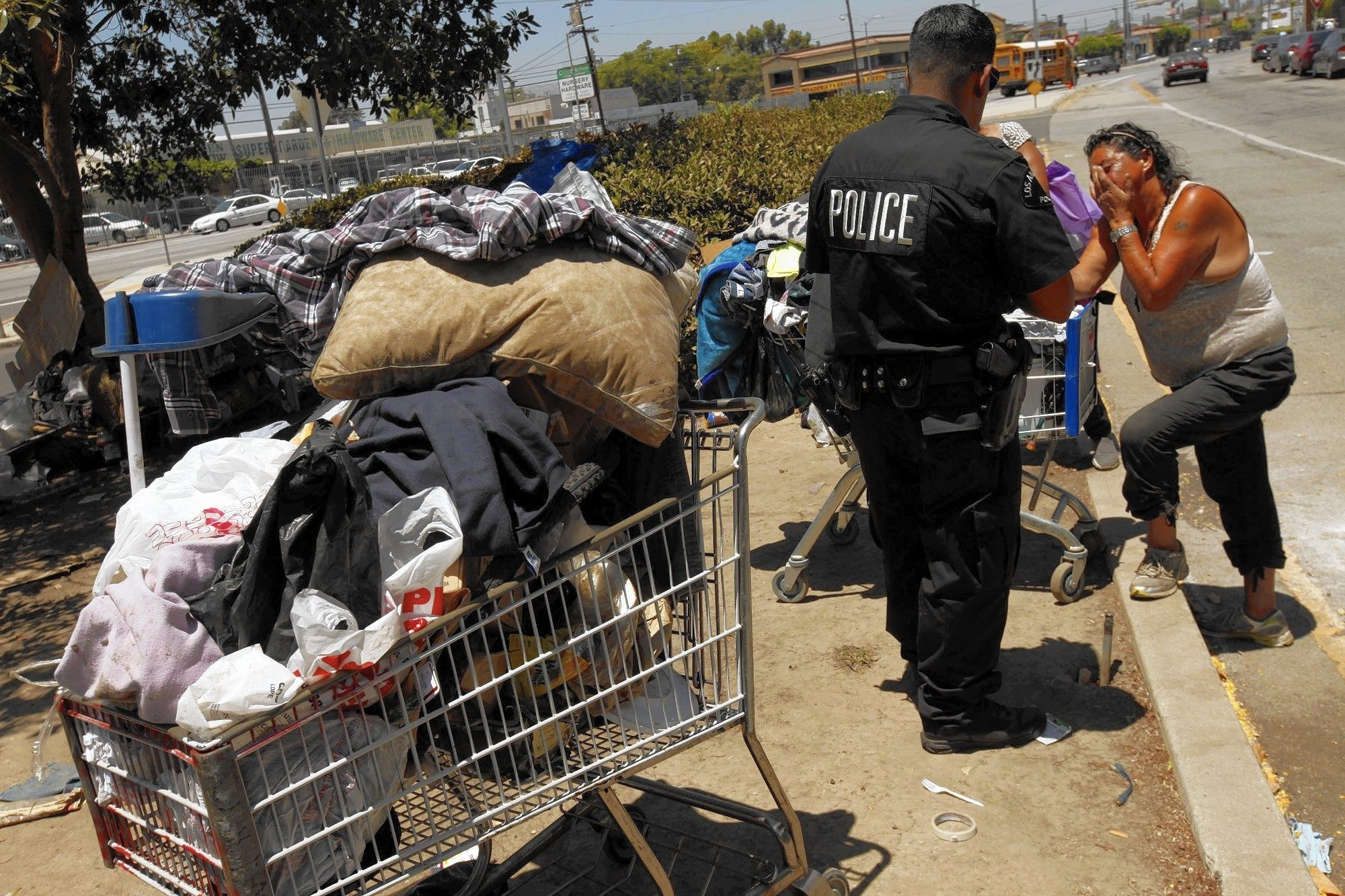 Why L A S Homeless Camp Cleanups Seem To Be Futile Homeless Camping Clean Up