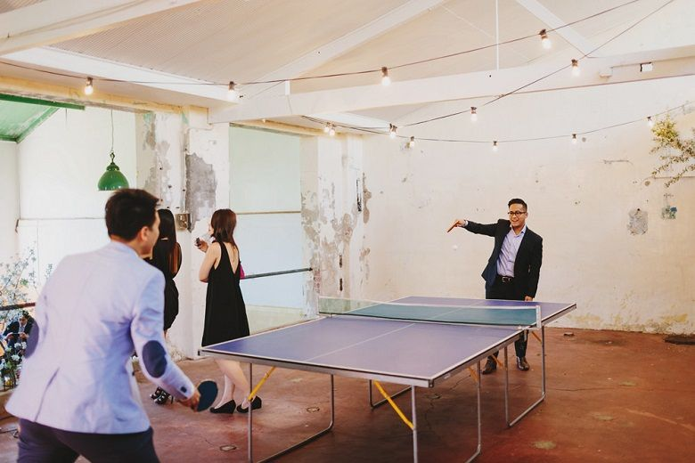 Table Tennis entertain wedding guests at the wedding | fabmood.com #wedding #rusticwedding #factorywedding