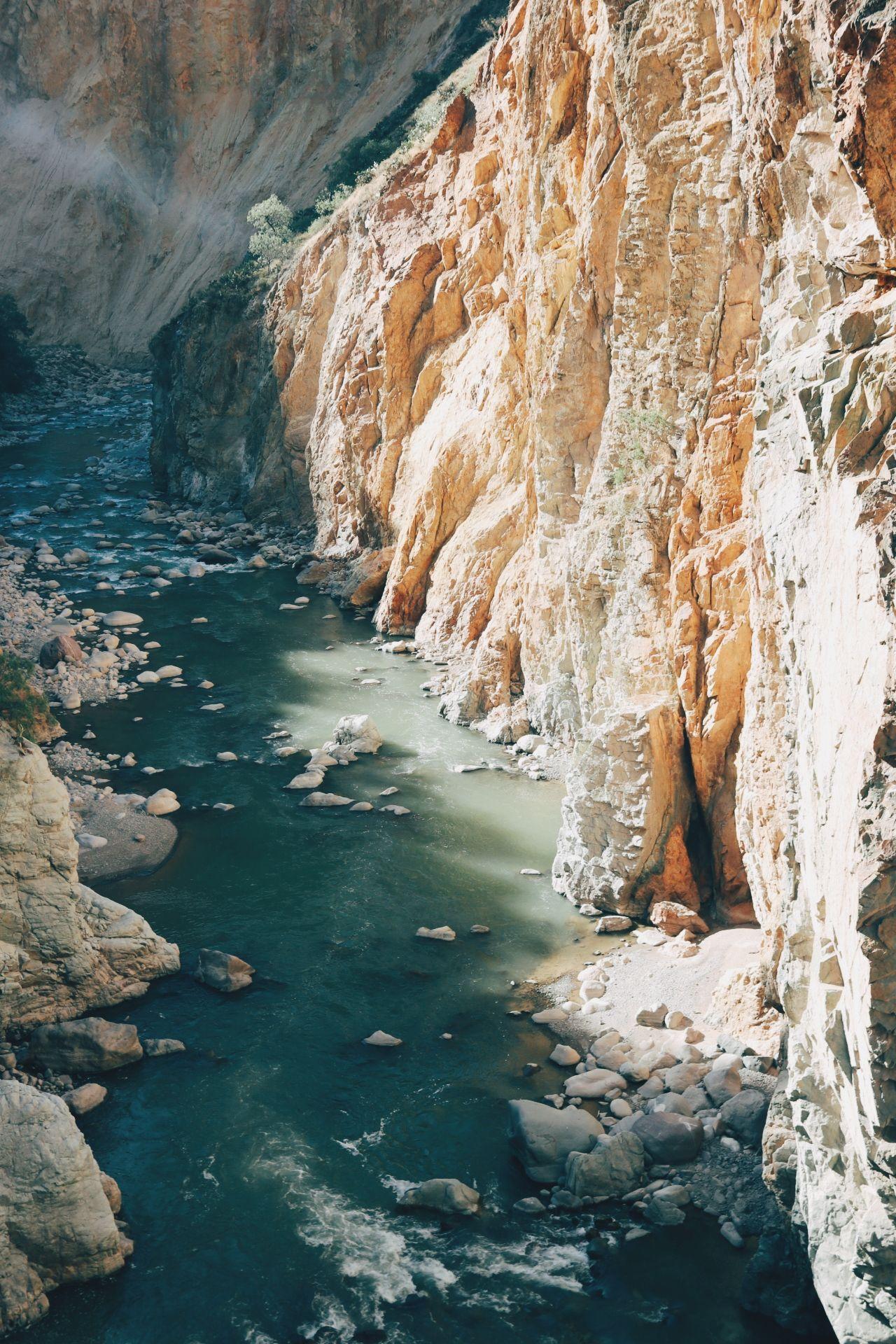 Le trek dans le canyon de Colca, l'un des canyons les plus profonds au monde, est sans doute l'un des treks les plus populaires du Pérou.