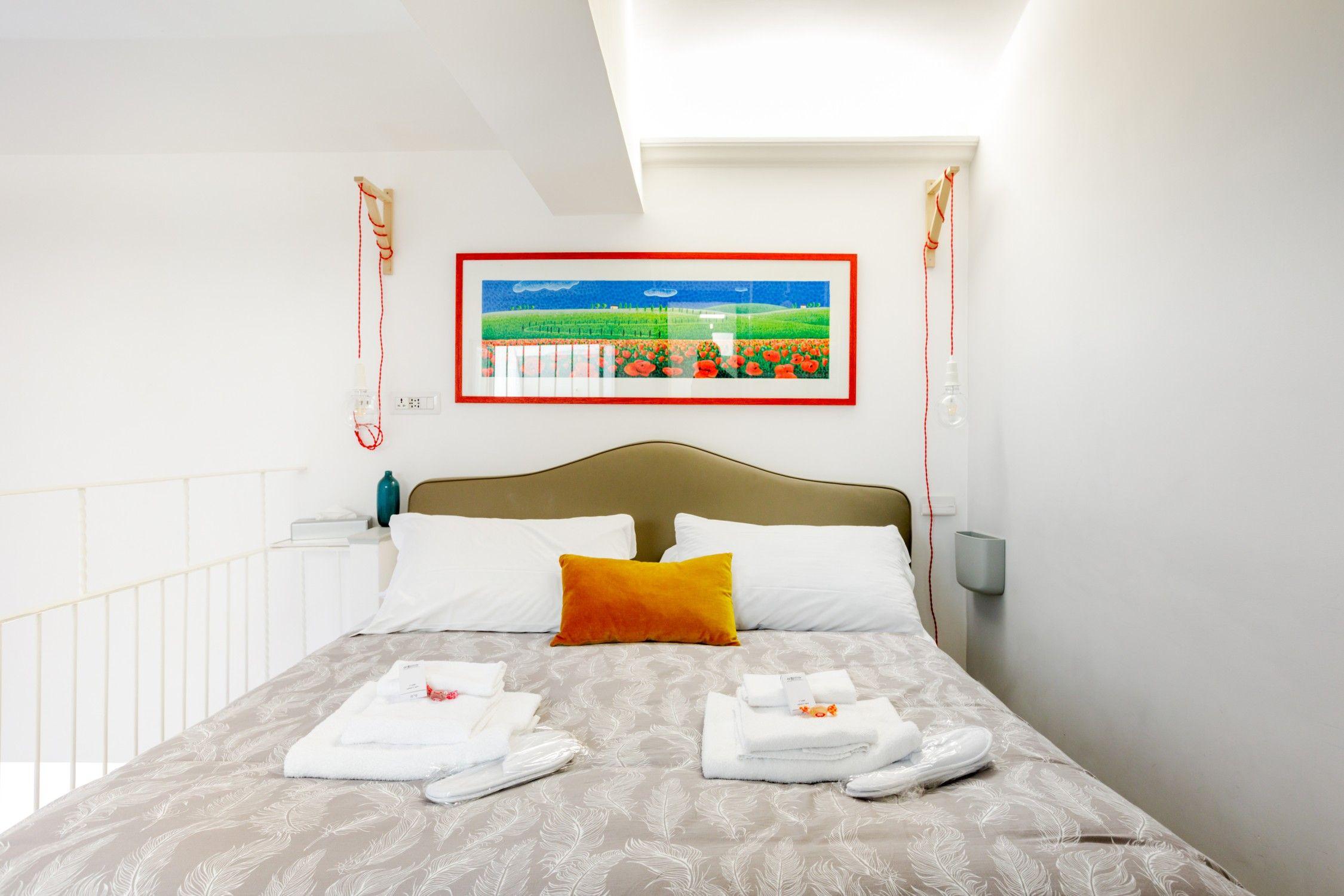 Entire Home Apt In Rome Italy Casa Dal Design Moderno Con Una Vista Unica Sui Tetti Di Roma Con Ogni Comfort Ubicata Nel Cuore Della C Home Decor Room Decor