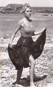 brigitte bardot on the beach - Cerca con Google
