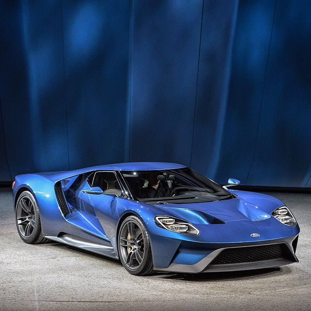 New Ford Gt Supercar Revealed At  Detroit Auto Show Leasetrader Social Site