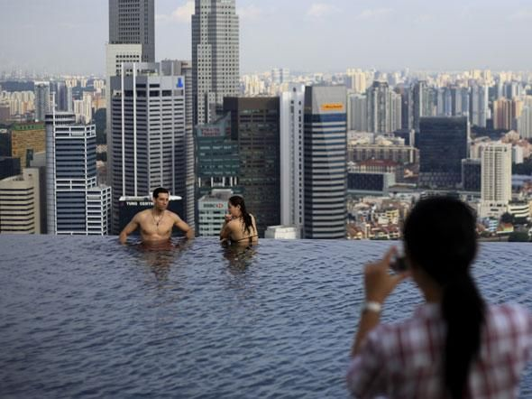Jaw dropping photos of singapores skyscraper infinity pool