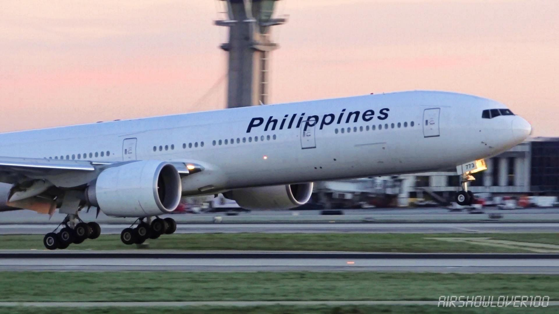Philippine Airlines Boeing 777 300ER LATE Landing LAX
