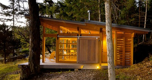 small slanted roof modern cabin | House roof, Cabin design ...
