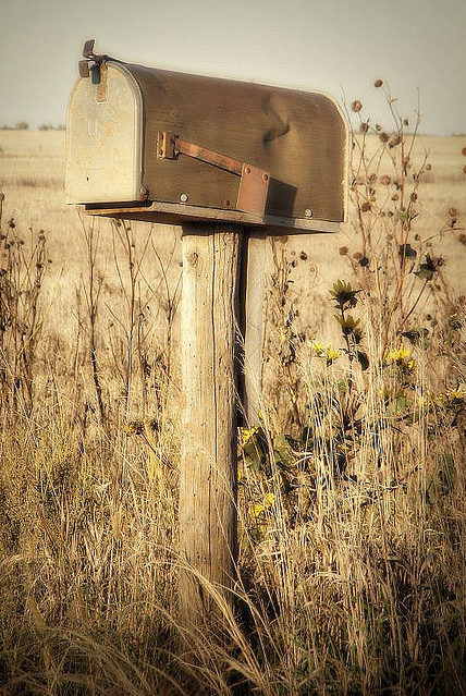 country mailbox... Old mailbox, Country mailbox, Country