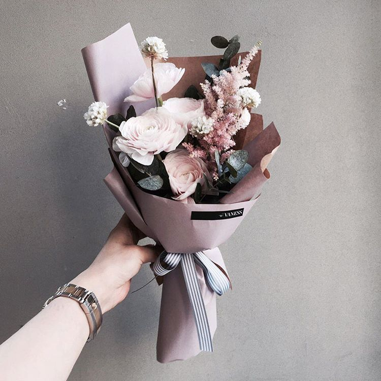 Hand-tied Bouquet   Vaness Florist Bouquet    Korean Artistic ...