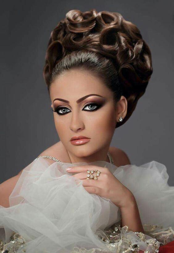63c782b0619f4868ea8c1275a39feac4 | Asian bridal hair