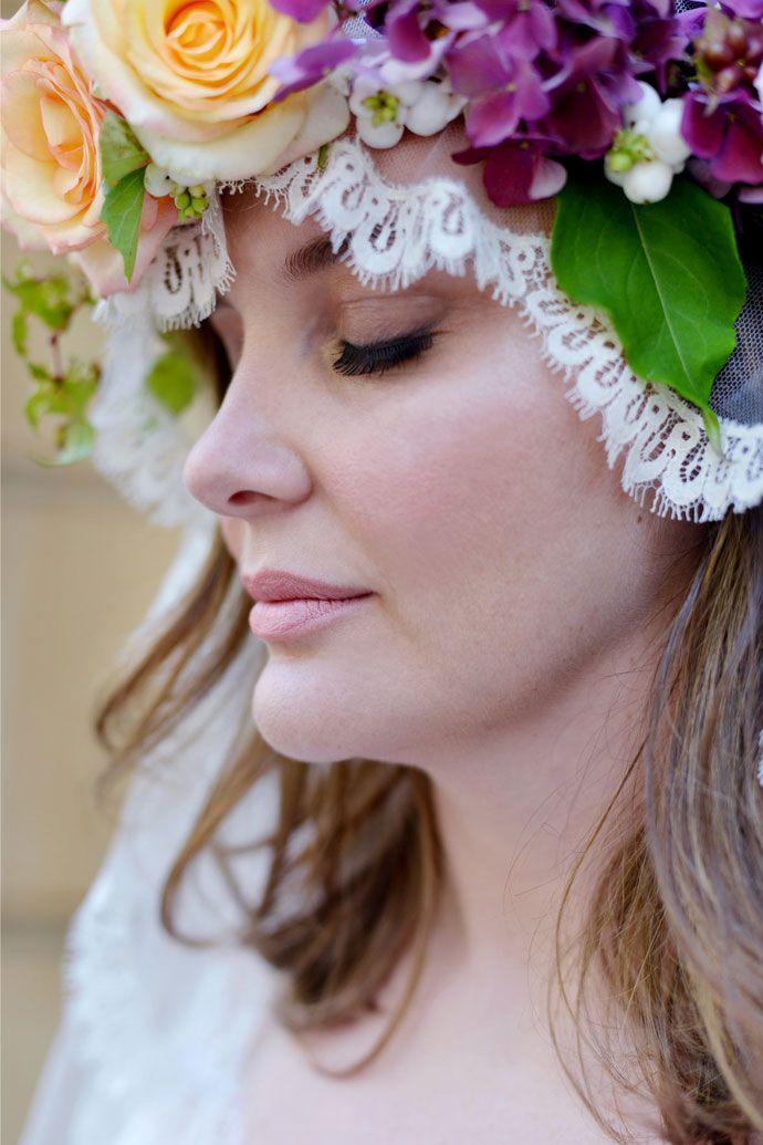 """Robes de mariée """"Curvy"""" par Stéphanie Wolff Couronne de"""