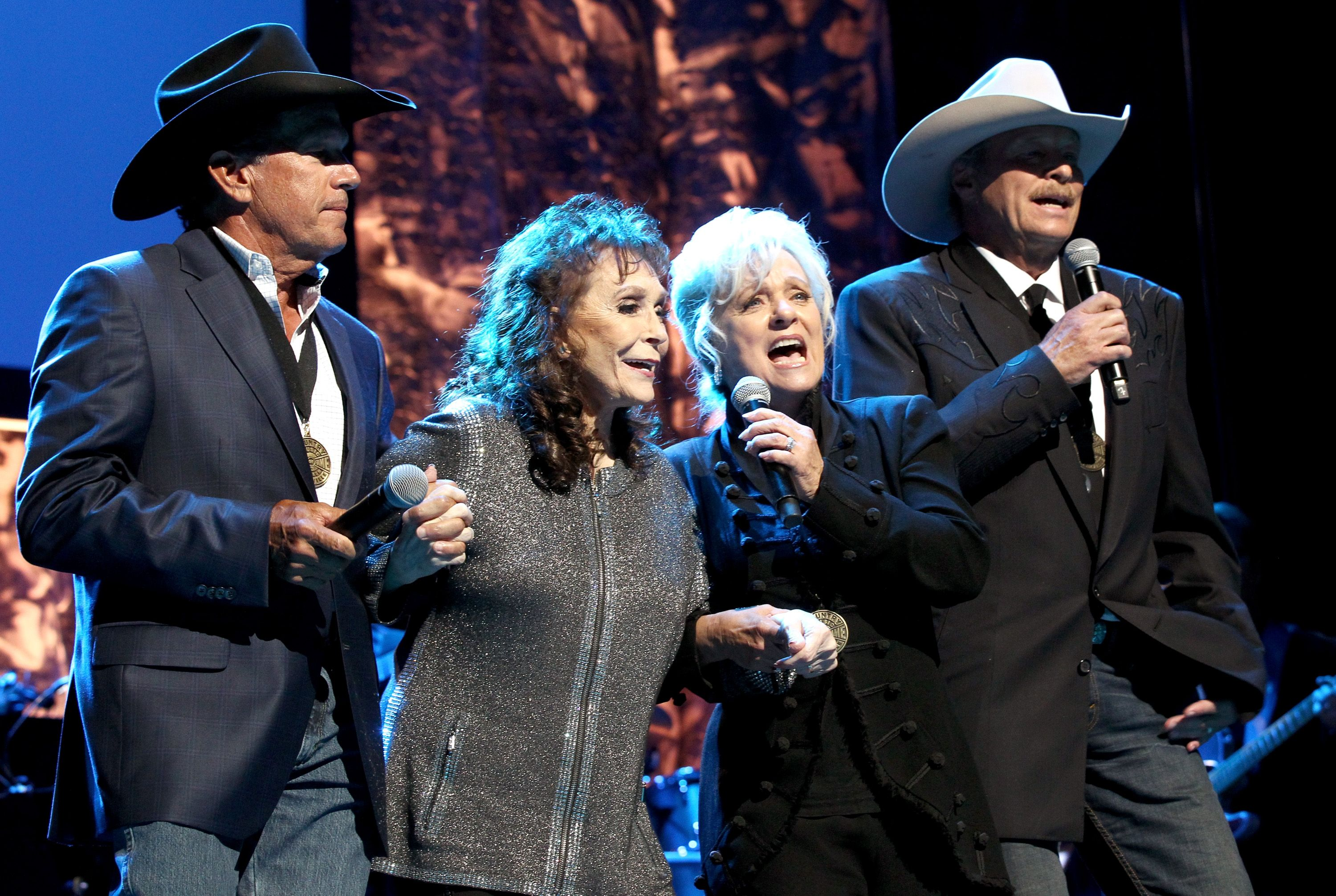 Loretta Lynn Makes Surprise Appearance To Welcome Alan Jackson