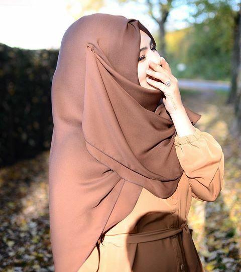 Pin By Zahra Ali On بنات محجبات Freedom Girl Hijabi Girl Afghan Girl