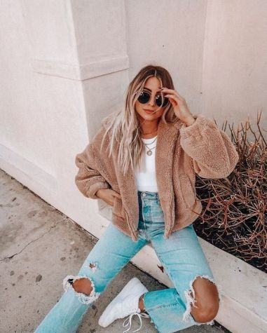 22 Stylish Back To School Outfits - Cassi Adams