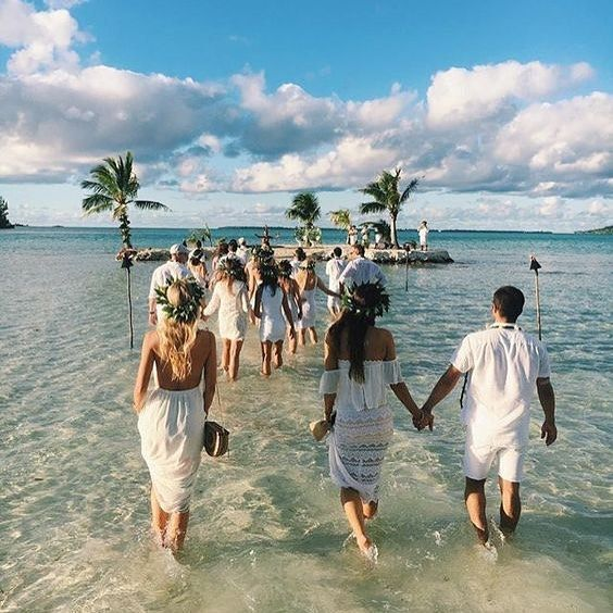 Our girls @cammymumu + @colognemumu at an all white wedding in Tahiti! #mumuweddings #tahiti #dreamy