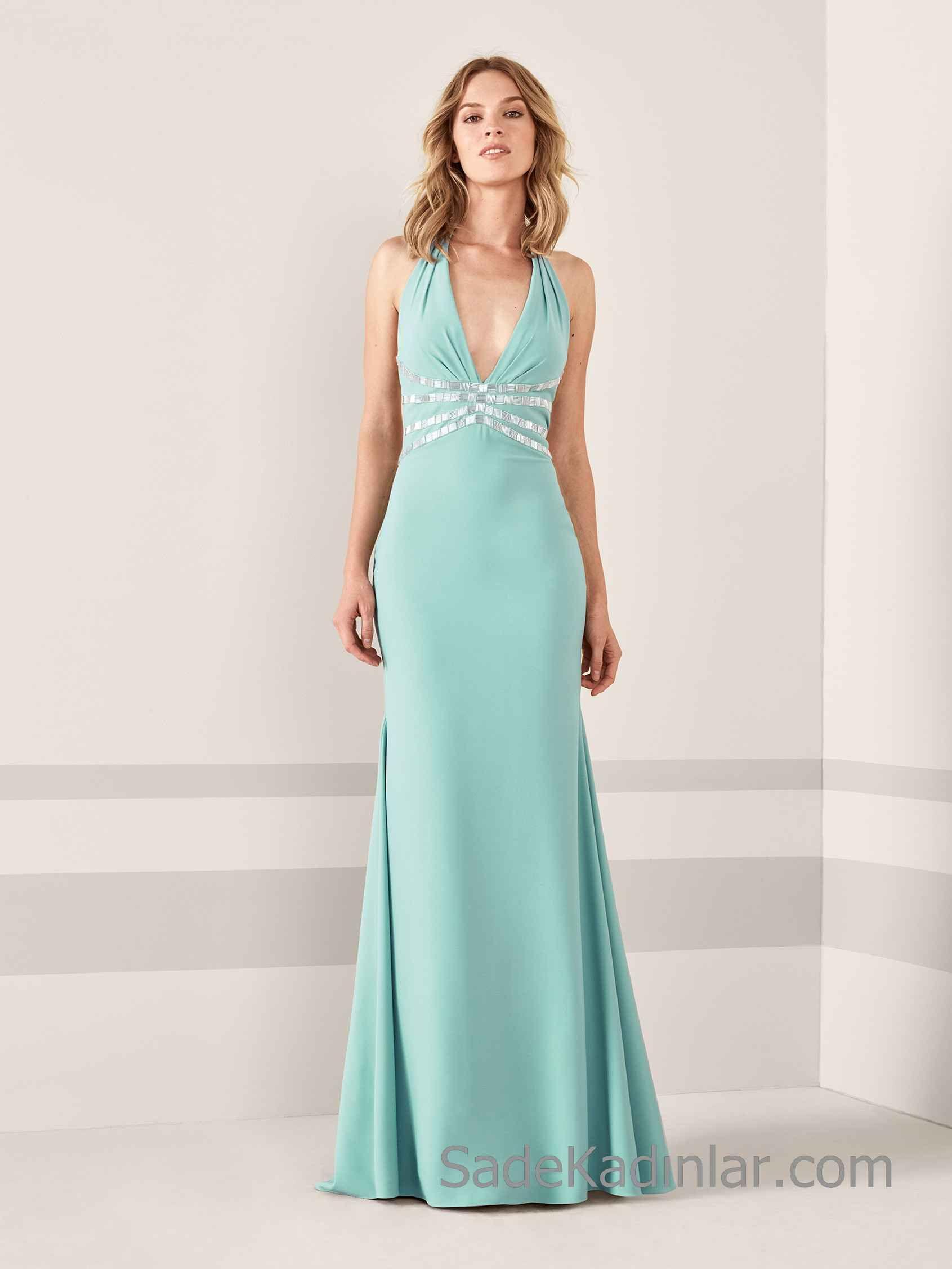 d540be2f7ba2c Pronovias 2019 Abiye Elbise Modelleri Su Yeşili Uzun Kalın Askılı V Yakalı  Bel Kısmı Taş İşlemeli