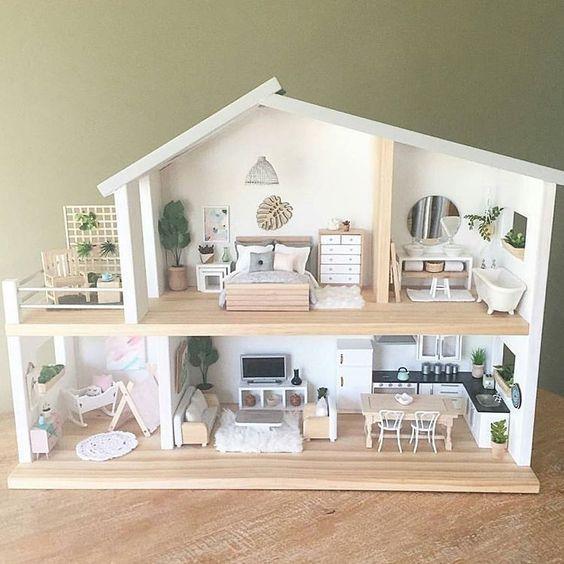 DIY Doll house for girls! #dollhouses DIY Doll house for girls! #dollhouses