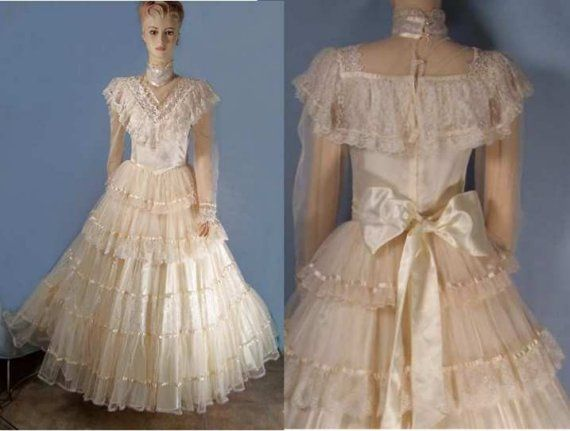 Vintage victorian bridal dress Jessica McClintock 5