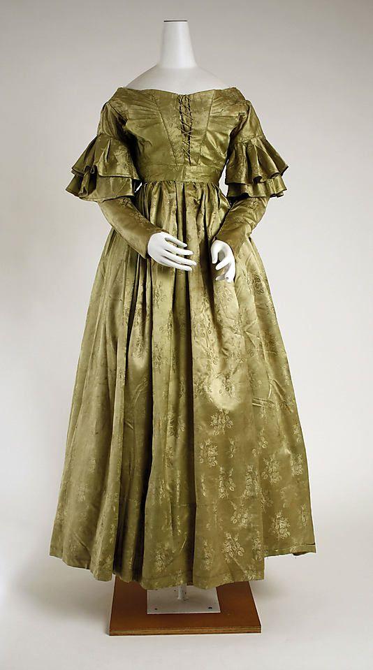 Silk dress 1837-39