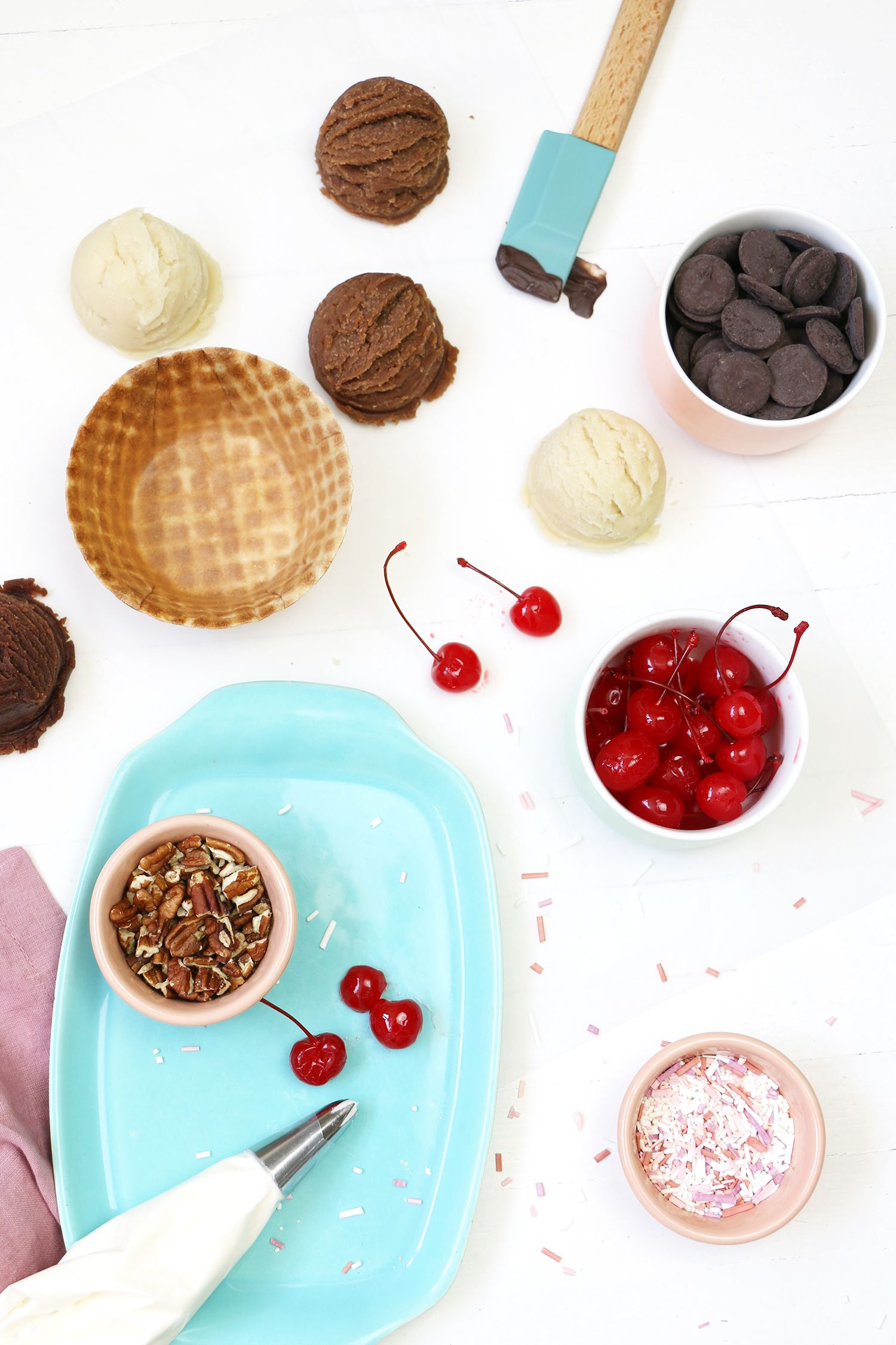Ice cream sundae cake a beautiful mess ice cream