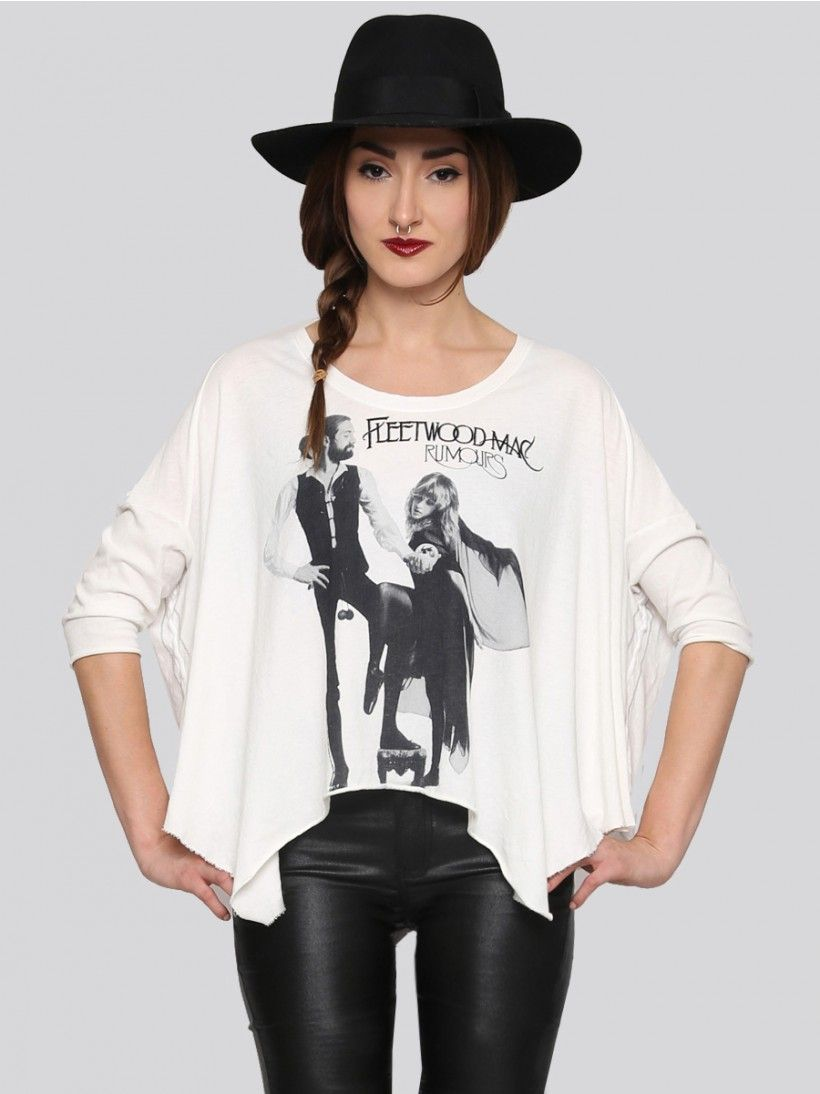 227215c3ff21 Loose fitting white tee