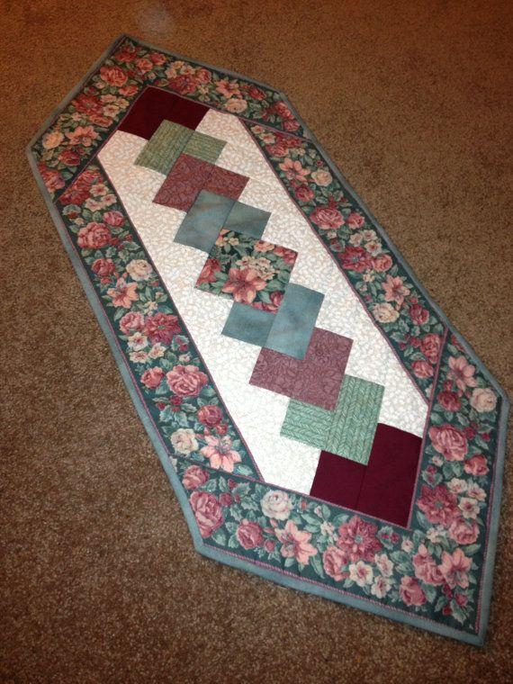 floral gesteppter tischl ufer diy and crafts pinterest. Black Bedroom Furniture Sets. Home Design Ideas
