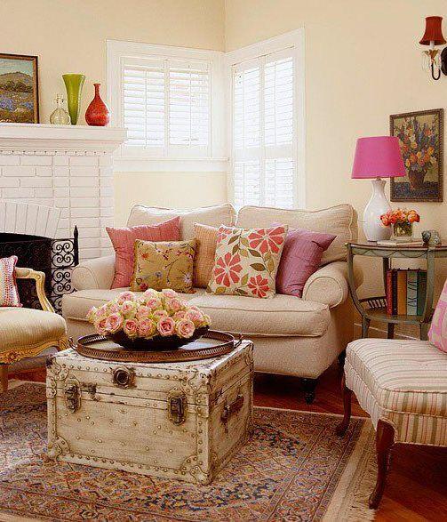 Como decorar una sala con dos sofas buscar con google - Decoracion con baules ...