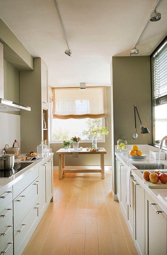 Resultado de imagen para cocinas peque as alargadas - Fotos de cocinas pequenas y modernas ...