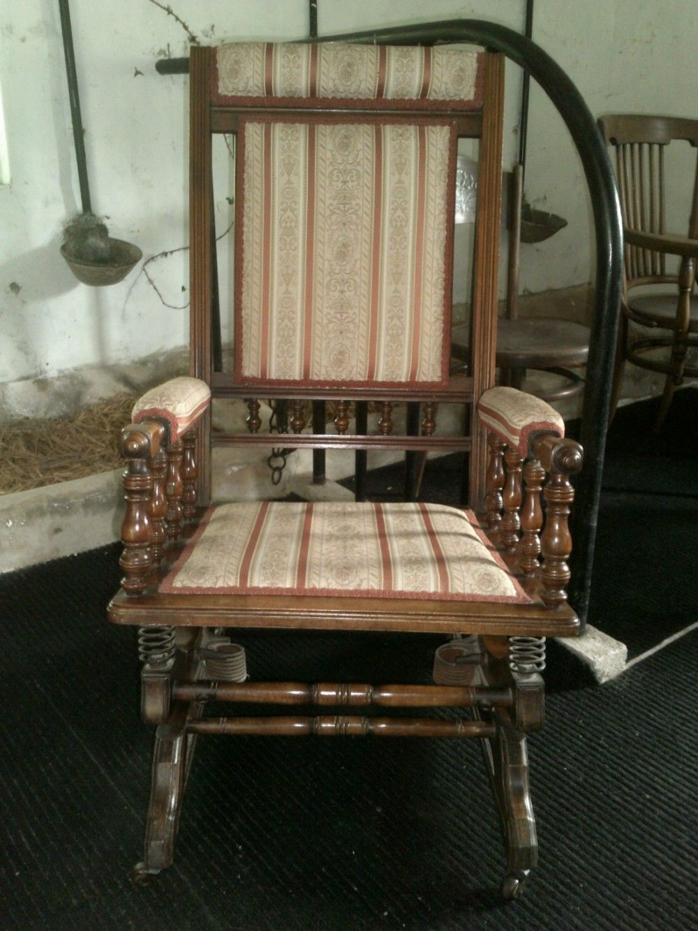 Late Victorian American Style Rocking Chair 469523