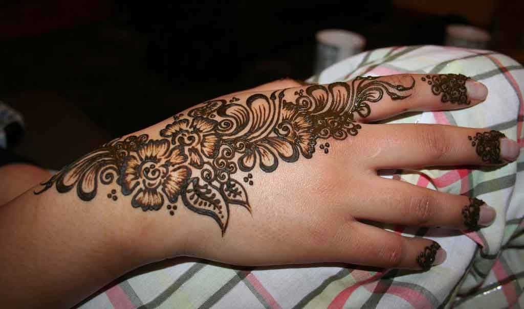 Henna Tattoo On Hands Meaning : Henna tattoo designs and meanings on hand broderi kurbits
