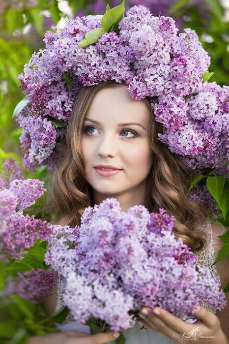 Pin By Kimla Designs Photography On Spring Girls With Flowers Lilac Beautiful Hats
