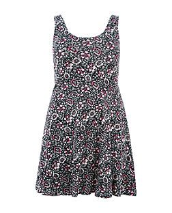 31e2051377 Plus Size Black Floral Print Skater Dress