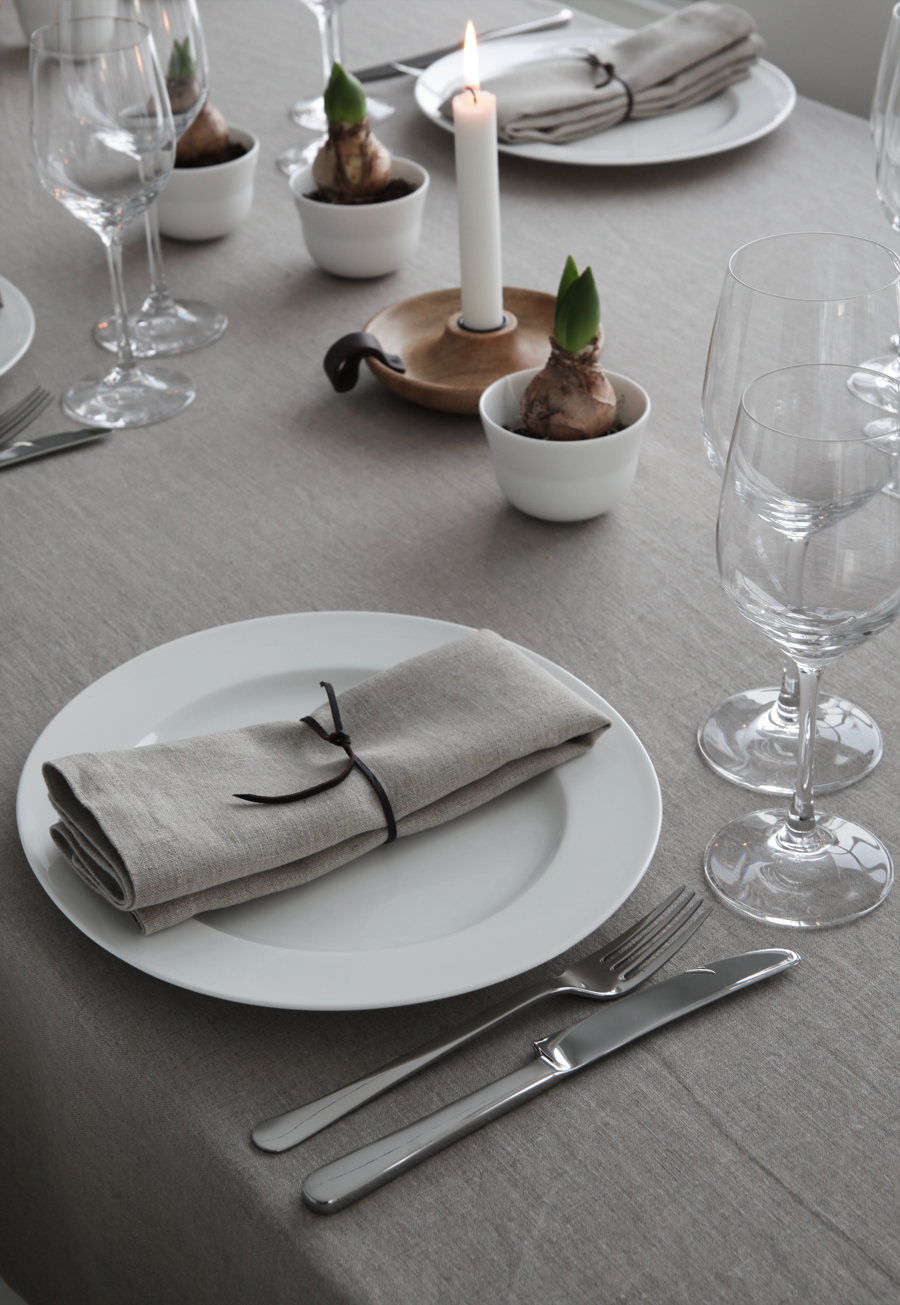 christmas table setting - ELISABETH HEIER & christmas table setting - ELISABETH HEIER | Display Ideas ...